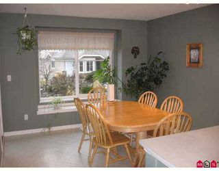 """Photo 3: 31501 UPPER MACLURE Road in Abbotsford: Abbotsford West Townhouse for sale in """"MACLURES WALK"""" : MLS®# F2704076"""