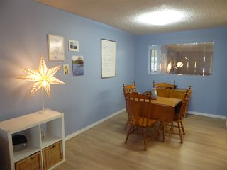 Photo 3: 5924 172 Street NW in Edmonton: Zone 20 Carriage for sale : MLS®# E4168763