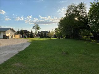 Photo 2: 218 Hirschfeld Road in Steinbach: Deerfield Residential for sale (R16)  : MLS®# 202012367