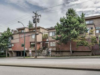 Photo 2: 8 1266 W 6TH AVENUE in Vancouver: Fairview VW Townhouse for sale (Vancouver West)  : MLS®# R2487399