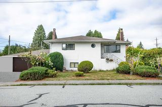 Photo 1: 1553 SUTHERLAND Avenue in North Vancouver: Boulevard House for sale : MLS®# R2497342