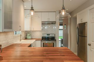 """Photo 2: 24 10111 GILBERT Road in Richmond: Woodwards Townhouse for sale in """"SUNRISE VILLAGE"""" : MLS®# R2516255"""