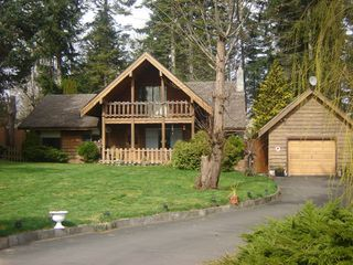 Photo 1: 324 HERONDALE ROAD in ROYSTON: Comox Valley Residential Detached for sale (Vancouver Island/Smaller Islands)  : MLS®# 231604