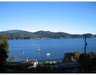 "Photo 2: 901 MARINE Drive in Gibsons: Gibsons & Area House for sale in ""GRANTHAMS LANDING"" (Sunshine Coast)  : MLS®# V671595"