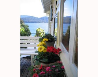 "Photo 1: 901 MARINE Drive in Gibsons: Gibsons & Area House for sale in ""GRANTHAMS LANDING"" (Sunshine Coast)  : MLS®# V671595"