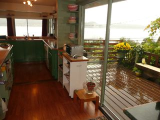 "Photo 16: 901 MARINE Drive in Gibsons: Gibsons & Area House for sale in ""GRANTHAMS LANDING"" (Sunshine Coast)  : MLS®# V671595"