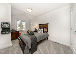 "Photo 14: 16176 87 Avenue in Surrey: Fleetwood Tynehead House 1/2 Duplex for sale in ""FLEETWOOD DUPLEXES"" : MLS®# R2432421"