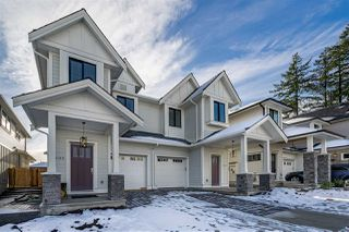 "Photo 1: 16176 87 Avenue in Surrey: Fleetwood Tynehead Townhouse for sale in ""FLEETWOOD DUPLEXES"" : MLS®# R2432421"