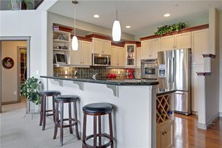 Photo 7: 313 60 SIERRA MORENA Landing SW in Calgary: Signal Hill Apartment for sale : MLS®# C4305459