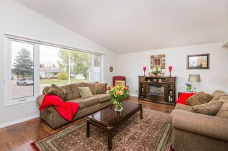 Photo 3: 11731 144 Avenue NW in Edmonton: Zone 27 House for sale : MLS®# E4218301