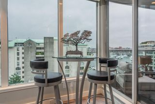 """Photo 4: 806 1500 HOWE Street in Vancouver: Yaletown Condo for sale in """"The Discovery"""" (Vancouver West)  : MLS®# R2525498"""