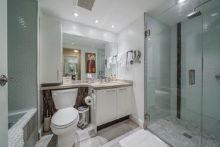 """Photo 13: 806 1500 HOWE Street in Vancouver: Yaletown Condo for sale in """"The Discovery"""" (Vancouver West)  : MLS®# R2525498"""