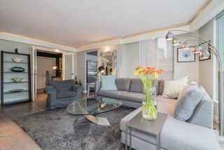 """Photo 3: 806 1500 HOWE Street in Vancouver: Yaletown Condo for sale in """"The Discovery"""" (Vancouver West)  : MLS®# R2525498"""