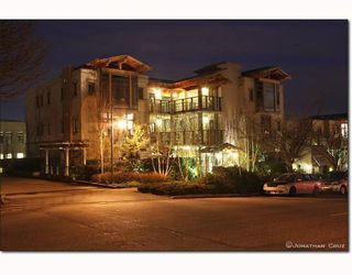 Photo 1: # 208 550 17TH ST in West Vancouver: Condo for sale : MLS®# V800376