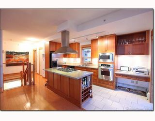 Photo 5: # 208 550 17TH ST in West Vancouver: Condo for sale : MLS®# V800376