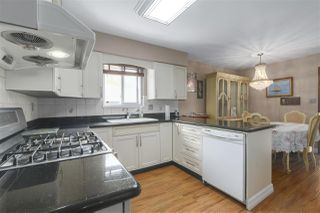 Photo 2: 3748 MARINE Drive in Burnaby: Big Bend House for sale (Burnaby South)  : MLS®# R2393226