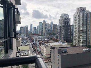 """Photo 6: 1502 977 MAINLAND Street in Vancouver: Yaletown Condo for sale in """"Yaletown Park 3"""" (Vancouver West)  : MLS®# R2396486"""
