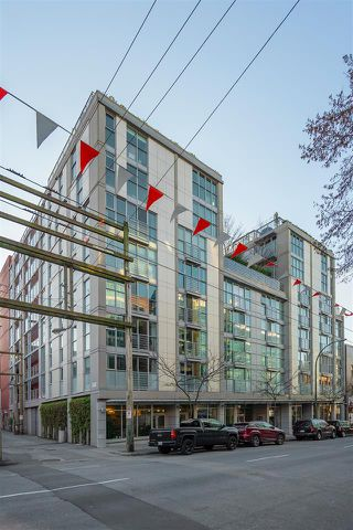 "Main Photo: 710 168 POWELL Street in Vancouver: Downtown VE Condo for sale in ""Smart"" (Vancouver East)  : MLS®# R2423240"