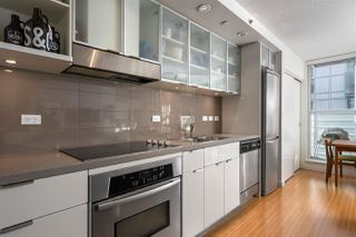 "Photo 7: 710 168 POWELL Street in Vancouver: Downtown VE Condo for sale in ""Smart"" (Vancouver East)  : MLS®# R2423240"