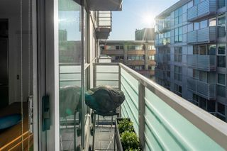 "Photo 5: 710 168 POWELL Street in Vancouver: Downtown VE Condo for sale in ""Smart"" (Vancouver East)  : MLS®# R2423240"