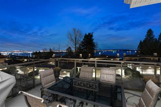 Photo 3: 2467 FOLKESTONE Way in West Vancouver: Panorama Village Townhouse for sale : MLS®# R2449433
