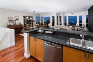 Photo 9: 2467 FOLKESTONE Way in West Vancouver: Panorama Village Townhouse for sale : MLS®# R2449433