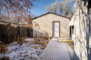 Photo 32: 699 Waterloo Street in Winnipeg: River Heights South Residential for sale (1D)  : MLS®# 202027199