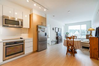 """Photo 5: 211 1621 HAMILTON Avenue in North Vancouver: Mosquito Creek Condo for sale in """"Heywood on the Park"""" : MLS®# R2524600"""