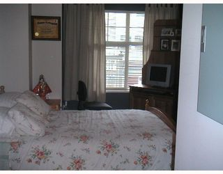 """Photo 5: 206 7038 21ST Avenue in Burnaby: Middlegate BS Condo for sale in """"THE ASHBURY"""" (Burnaby South)  : MLS®# V640709"""