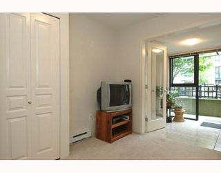 """Photo 6: 107 3583 CROWLEY Drive in Vancouver: Collingwood VE Townhouse for sale in """"AMBERLEY"""" (Vancouver East)  : MLS®# V646758"""