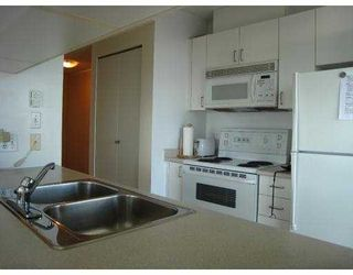 "Photo 4: 2209 438 SEYMOUR Street in Vancouver: Downtown VW Condo for sale in ""CONFERENCE PLAZA"" (Vancouver West)  : MLS®# V669096"