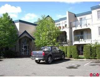 "Photo 1: 110 45504 MCINTOSH Drive in Chilliwack: Chilliwack W Young-Well Condo for sale in ""VISTA VIEW"" : MLS®# H2802673"