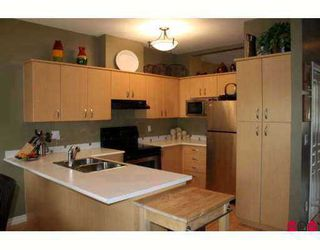 """Photo 4: 52 6050 166TH Street in Surrey: Cloverdale BC Townhouse for sale in """"Westfield"""" (Cloverdale)  : MLS®# F2704212"""