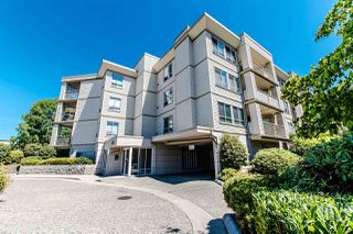 "Photo 2: 304 5450 208 Street in Langley: Langley City Condo for sale in ""Montgomery Gate"" : MLS®# R2410335"