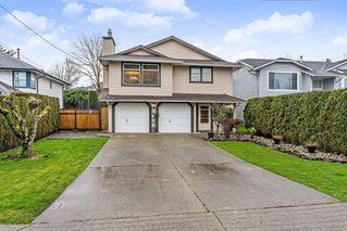 Main Photo: 9230 210 Street in Langley: Walnut Grove House for sale : MLS®# R2425144