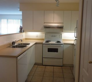 "Photo 3: 205 8297 SABA Road in Richmond: Brighouse Condo for sale in ""ROSARIO GARDENS"" : MLS®# R2430603"