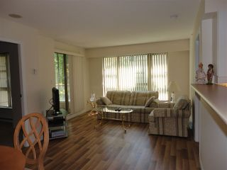"Photo 4: 205 8297 SABA Road in Richmond: Brighouse Condo for sale in ""ROSARIO GARDENS"" : MLS®# R2430603"