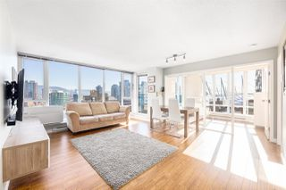 """Main Photo: 2003 233 ROBSON Street in Vancouver: Downtown VW Condo for sale in """"TV TOWER 2"""" (Vancouver West)  : MLS®# R2445921"""