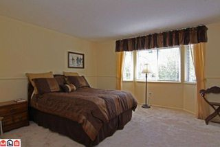 Photo 7: 15296 28A AV in Surrey: House for sale : MLS®# F1111657