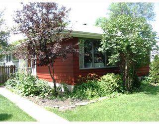 Photo 1: 787 BOREBANK Street in WINNIPEG: River Heights / Tuxedo / Linden Woods Single Family Detached for sale (South Winnipeg)  : MLS®# 2712506