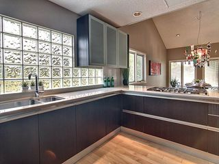 Photo 6: 14002 95 Avenue in Edmonton: Zone 10 House for sale : MLS®# E4168585
