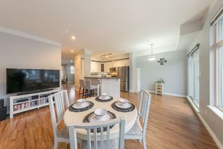 Photo 3: 7 20449 66 Avenue in Langley: Willoughby Heights Townhouse for sale : MLS®# R2430124