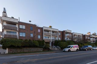 "Photo 1: 301 2450 CORNWALL Avenue in Vancouver: Kitsilano Condo for sale in ""Oceans Door"" (Vancouver West)  : MLS®# R2436483"