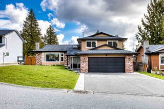 "Main Photo: 5848 170A Street in Surrey: Cloverdale BC House for sale in ""CLOVERDALE HEIGHTS"" (Cloverdale)  : MLS®# R2447635"