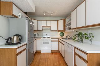 Photo 10: 102 650 16TH Street in West Vancouver: Ambleside Condo for sale : MLS®# R2476435