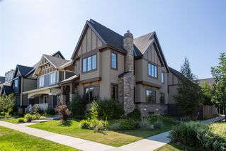 Main Photo: 5 MARY DOVER Drive SW in Calgary: Currie Barracks Detached for sale : MLS®# A1027067