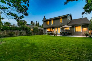 """Photo 1: 2157 OCEAN FOREST Drive in Surrey: Crescent Bch Ocean Pk. House for sale in """"OCEAN CLIFF ESTATES"""" (South Surrey White Rock)  : MLS®# R2513924"""