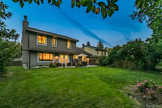"""Photo 2: 2157 OCEAN FOREST Drive in Surrey: Crescent Bch Ocean Pk. House for sale in """"OCEAN CLIFF ESTATES"""" (South Surrey White Rock)  : MLS®# R2513924"""