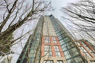 """Main Photo: 2302 289 DRAKE Street in Vancouver: Yaletown Condo for sale in """"Park View Tower"""" (Vancouver West)  : MLS®# R2530410"""