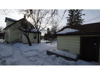 Photo 2: 643 Nairn Avenue in Winnipeg: East Kildonan Residential for sale (North East Winnipeg)  : MLS®# 1102464